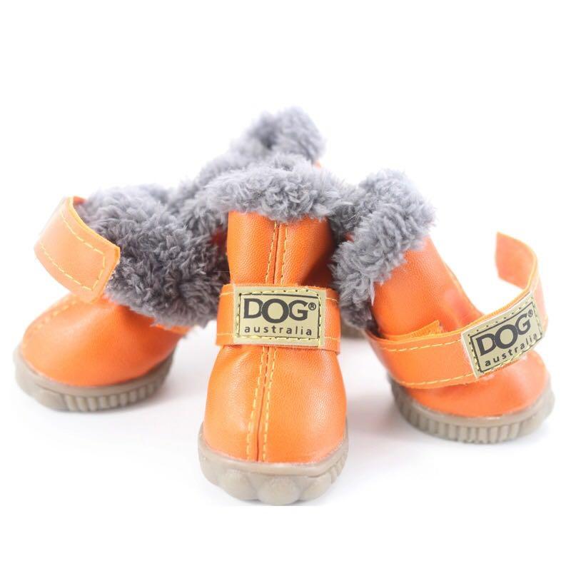 Тёплые ботинки для собак 800 руб.